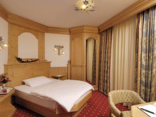 Camera Mica - letto alla francese