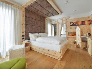 Kristiania Junior Suite Quarzo - camera con cirmolo