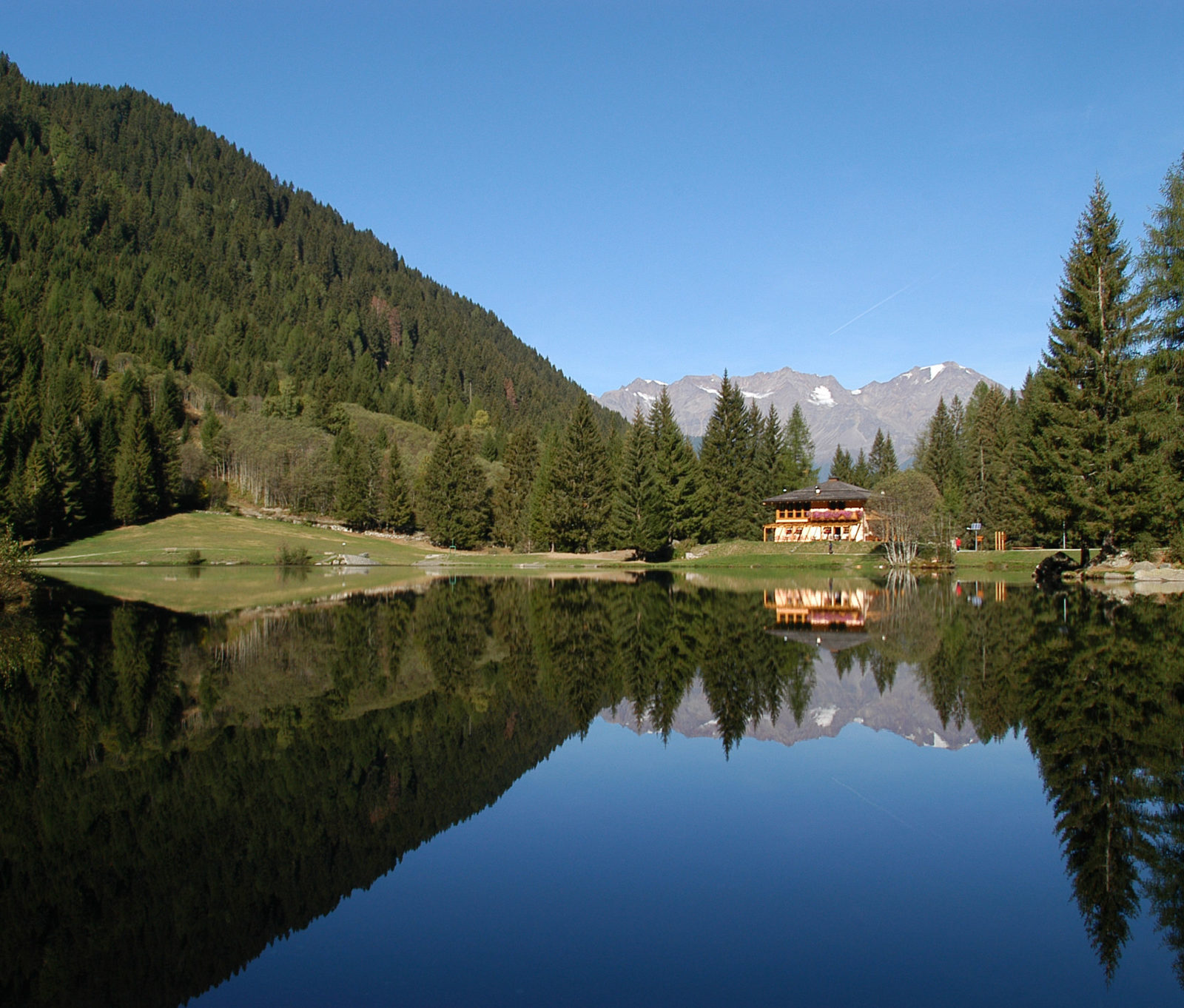 Image for Around the mountain dairies: Caprioli Lake