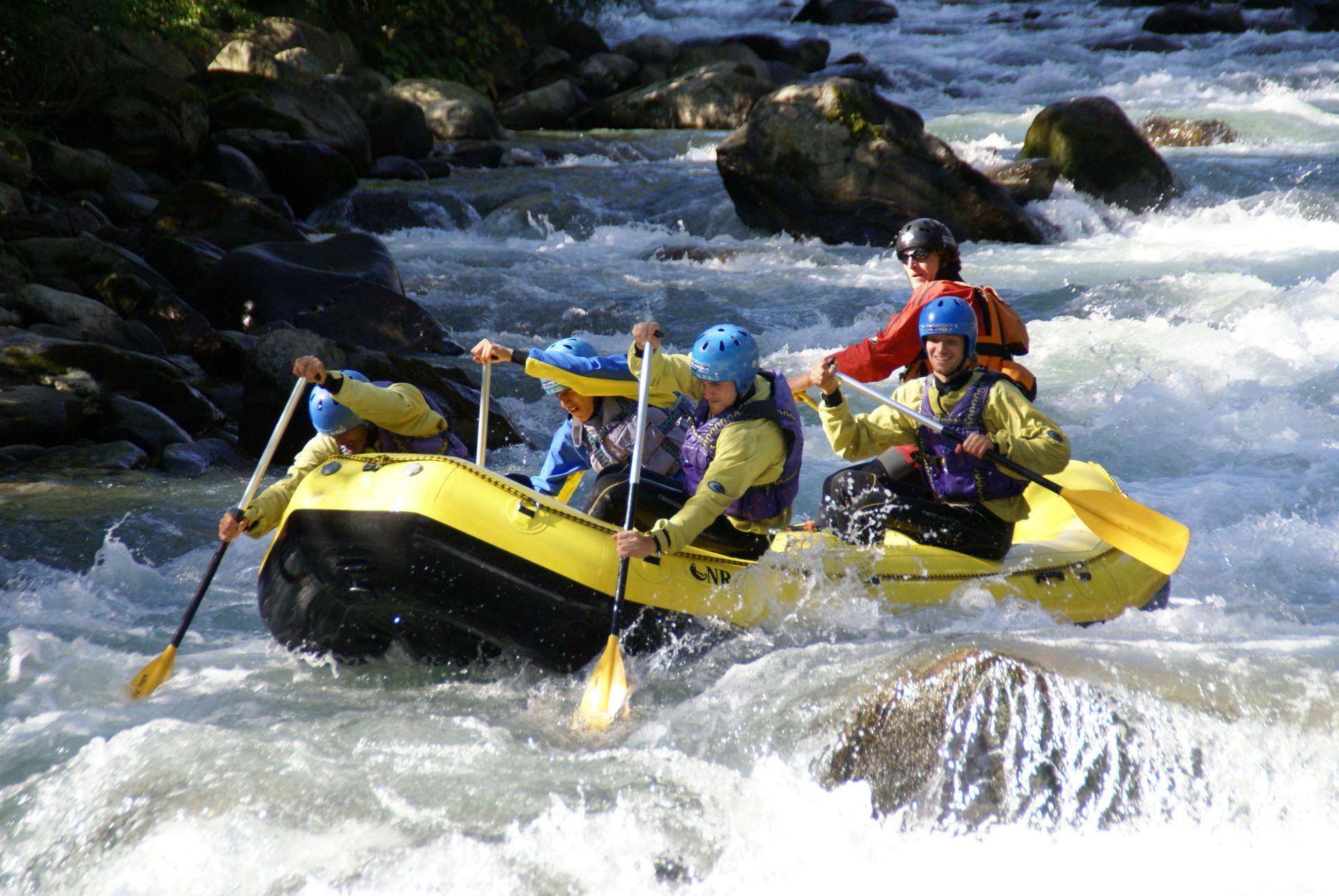 Immagine di testata per Rafting in Val di Sole, Trentino, a tutto divertimento