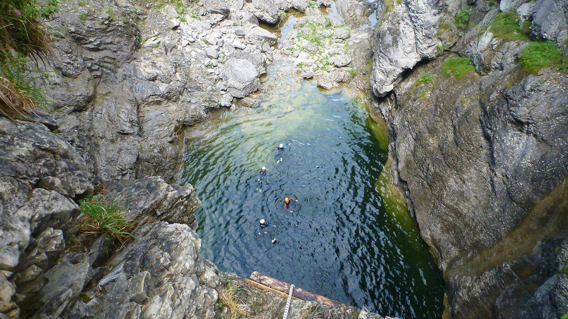 Immagine di testata per Avventure durante il Canyoning in Trentino