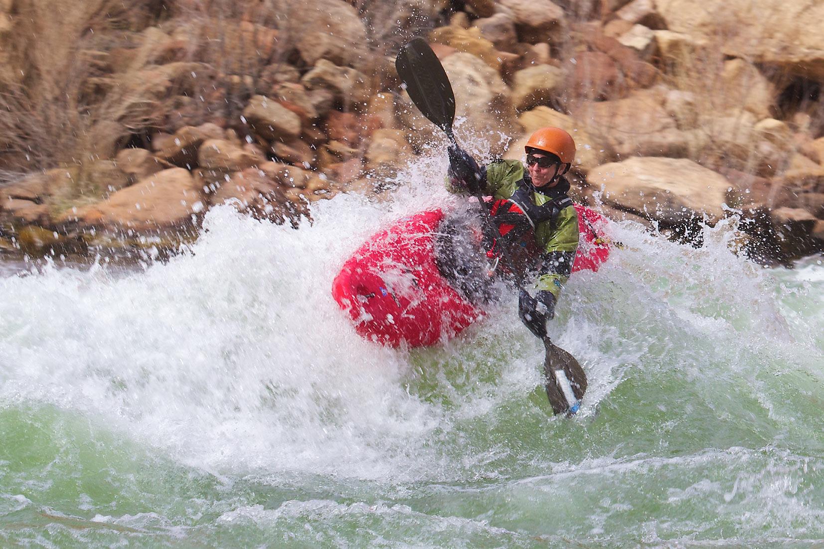 Immagine di testata per In canoa e kayak sul Lago di Santa Giustina