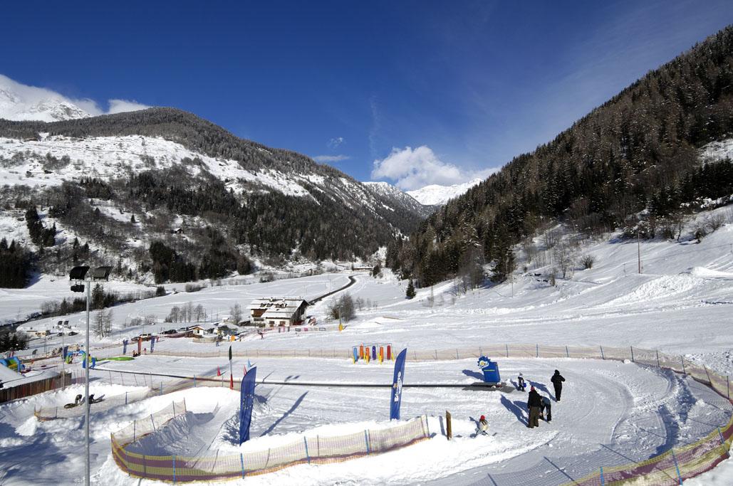 Immagine di testata per Campo scuola per imparare a sciare