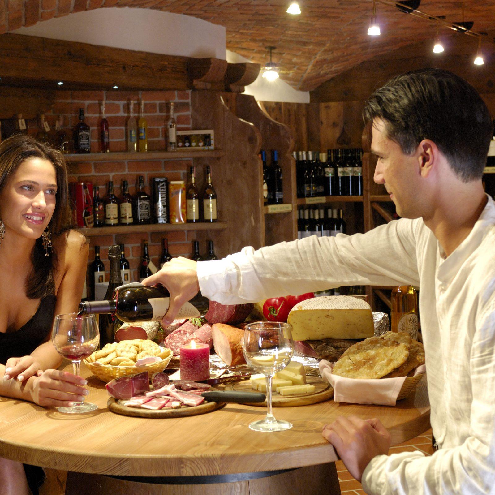 Immagine per Romantica cena per due nella cantina del Kristiania